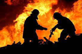 Ночью в Вязьме пенсионер заживо сгорел в своём доме