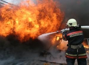 В Смоленске неизвестные подожгли дом на улице Шеина