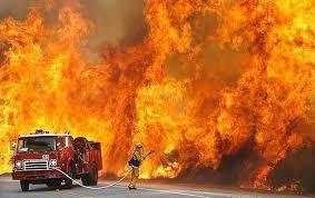 Ожоги рук и спины получил мужчина в результате пожара в Смоленской области