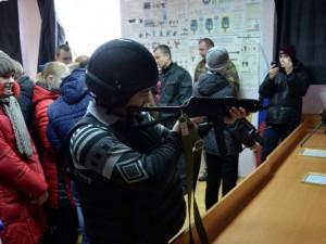 Смоленские школьники поздравили сотрудников СОБР