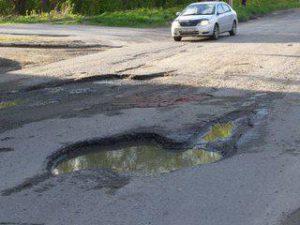 Пять самых разбитых улиц Смоленска в этом году ждёт капремонт