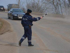 Сотрудники тверского ГИБДД задержали автомобиль, угнанный в Смоленской области