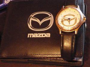 Вещи с символикой любимой машины — креатив и стиль!
