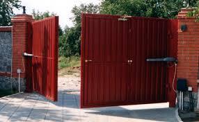 Распашные ворота не теряют актуальности по сей день!