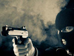 Смолянину, ограбившему магазин с игрушечным пистолетом, грозит до 10 лет колонии