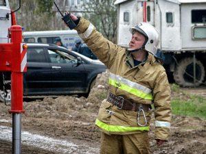 В Смоленске из горящего дома эвакуировали 11 жильцов