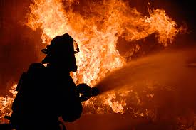 В Смоленске пенсионерка сгорела в собственном доме