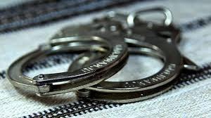 Ненастоящие сотрудницы службы газа украли деньги из серванта в квартире пенсионерки