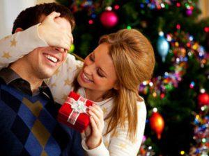 Что подарить парню на Новый год?