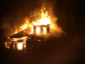 В Смоленске при пожаре в жилом доме погиб мужчина