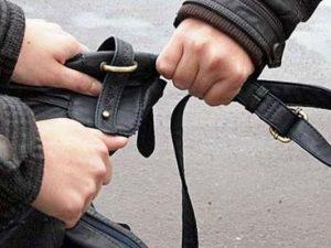 На Краснинском шоссе на смолянина напали грабители