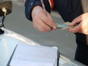 Смолянин, лишённый водительских прав, попался с поддельным удостоверением