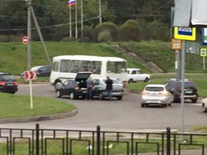 В Смоленске «Рено Логан» и «ВАЗ» не поделили проспект Строителей