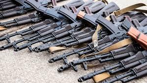 Полицейские нашли у смолян нелегальные ружья, винтовки и снаряды военных времён