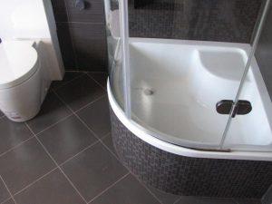 Сантехника, используемая в современных гигиенических комнатах
