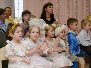Воспитанники детского дома «Гнёздышко» получили новогодние подарки от губернатора
