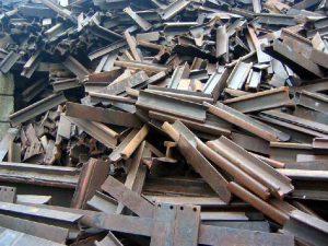 Смолянин, недовольный задержками зарплаты, похитил с предприятия девять тонн металла