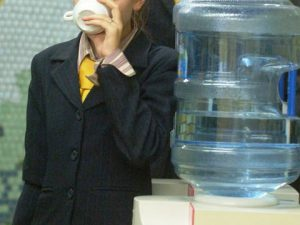 В Смоленске пройдут торги по поставкам бутилированной воды в школы и детские сады