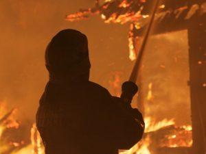 За сутки в Смоленской области произошло 15 пожаров