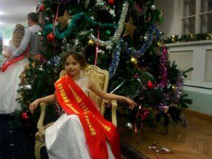 7-летняя Анна Девяткина из Смоленска признана лучшей моделью России