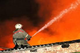 В Смоленской области огонь уничтожил трехквартирный дом