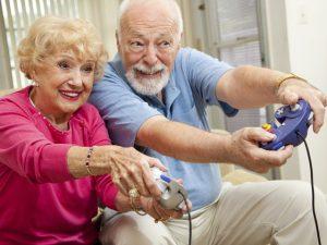 Что подарить бабушке и дедушке на праздник?