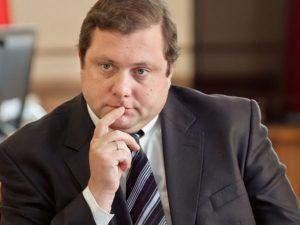 Эксперты ожидают отставку губернатора Островского. Но не в этом году