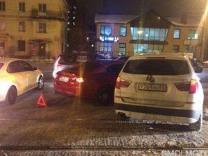 В Смоленске ищут свидетелей ДТП на улице Крупской