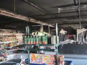 В Ельнинском районе полыхал продуктовый магазин