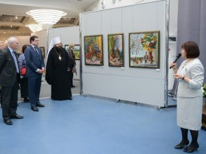 Губернатор принял участие в открытии персональной выставки Наталии Овсиенко