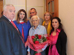 Смоленского ветерана поздравили со 100-летним юбилеем