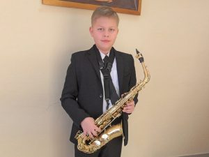 Юный смолянин победил в международном конкурсе саксофонистов