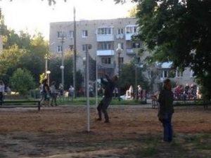 Новая волейбольная площадка открылась в смоленском парке