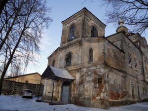 В Смоленске церковь, в которой живут люди, передадут РПЦ