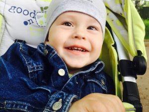 В Смоленске собирают деньги на лечение ребенка