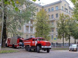 В Смоленске на улице Бакунина горел магазин