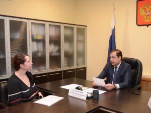 Алексей Островский пообещал расселение жильцам 100-летнего дома в Смоленске