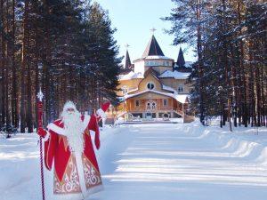 На новогодние гулянья в Ярославль приехал Дед Мороз из Великого Устюга