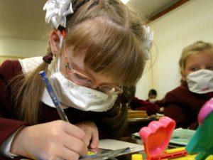 Кашляющих смоленских школьников не пустят на уроки