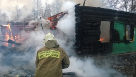 В Смоленске с помощью столба ликвидировали парковку на газоне