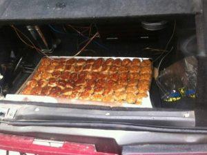 Обеды в смоленскую школу привозят в грязном багажнике – соцсети