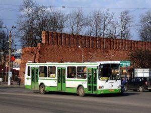 На Пасху и Радоницу в Смоленске запустят дополнительные автобусы и продлят работу транспорта