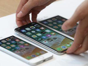 Смолянин требует у Apple миллион долларов