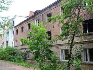 Глава Смоленской области приказал снести ветхий дом в Ярцеве