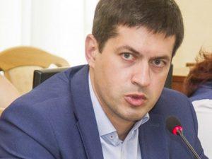 Житель Сафонова порезал собутыльницу и отобрал у нее мобильник