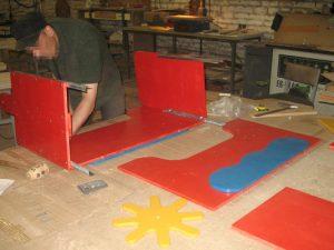 Смоленские осужденные готовят игровые элементы для детских садов