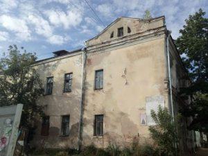 В Заднепровском районе разрушается здание 19 века