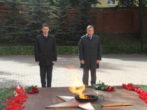 Игорь Щёголев и Алексей Островский в Смоленске почтили память павших в ВОВ