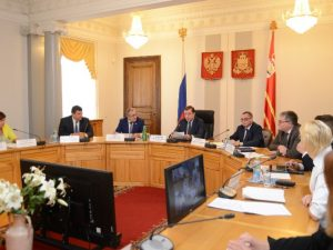 Алексей Островский и Сергей Неверов провели в Смоленске совещание по бюджетным инвестициям