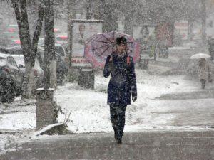 В понедельник смолян вновь ожидает снег и холод
